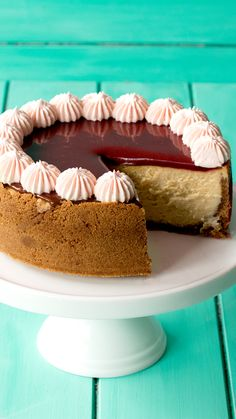 Maple Caramel Cheesecake ~ The Scran Line is part of pizza - Cookie crust Check Maple caramel topping Check Heavenly Double check No Bake Desserts, Just Desserts, Delicious Desserts, Dessert Recipes, Yummy Food, Desserts Caramel, Salted Caramel Cheesecake, Healthy Desserts, Cupcake Cakes