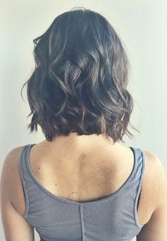 Summer hair trends. Summer hair. Lob hair cut. Dark hair. Brunette haircolor.