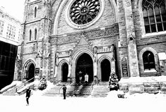 Merry Christmas from Montreal to the world!!! #merrychristmas #from #montreal #with #love #holidays #spirit #downtown #winter #snow #white #2016 #architecture #classic #modern #cityscape #urban #streetstyle #streetart #streetphotography #streetphoto #art #monochrome #blackandwhite #photography #fujifilm #fuji #photo #walker #keepwalking