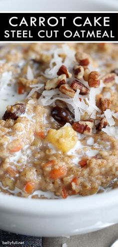 Carrot Cake Steel Cut Oatmeal Start your day with this filling and nutritious carrot cake oatmeal made with steel cut oats, carrots, pineapple, and brown sugar. All the flavors of carrot cake in a healthy breakfast! Good Healthy Recipes, Gourmet Recipes, Healthy Food, Healthy Eating, Healthy Cake, Raw Food, Healthy Options, Healthy Meals, Vegetarian Recipes