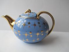 Vintage Hall Periwinkle Gold Mid Century Teapot by jenscloset