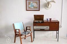 DIY: tapicerka Office Desk, Nightstand, Home Furniture, Living Room, Table, Diy, Home Decor, Desk Office, Decoration Home