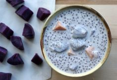 bubor cha cha (purple yam, coconut, and tapioca/sago) dessert Pinoy Dessert, Thai Dessert, Filipino Desserts, Asian Desserts, Dessert Drinks, Sweet Desserts, Filipino Food, Milk Dessert, Vietnamese Dessert