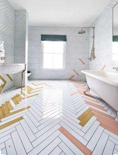 Hvide fliser på badeværelset er ikke ensbetydende med kedelig stil eller manglende personlighed. Vi har samlet de flotteste hvide badeværelser her.