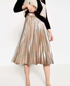 Cheap fashion pleated skirt, Buy Quality pleated skirt directly from China fashion skirt Suppliers: 2016 New Europen Style Autumn Fashion Vestidos Mid-Calf Women Skirts Casual Metallic Bronzing Quality Lady Slim Pleated Skirts Metallic Pleated Skirt, Pleated Midi Skirt, Dress Skirt, Midi Skirts, Silver Skirt, Metallic Look, Casual Skirts, Vintage Skirt, Madame