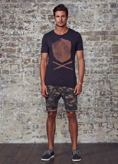 17 Shorts Outfit Ideas To Be The Best Dressed Man This Weekend Short Outfits, Cool Outfits, Fashion Outfits, Stylish Outfits, Summer Outfits, Men's Outfits, Mode Masculine, Stylish Men, Men Casual