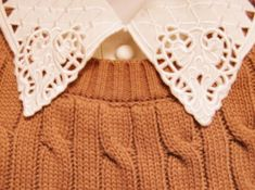 Estilo Hipster, Vintage Outfits, Vintage Fashion, Lace Collar, Crochet Collar, Sweater Weather, Pretty Outfits, Work Outfits, Auburn