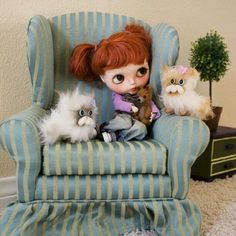 Blythe Dolls...ha those cats are hilarious!