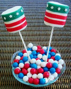 July 4th Marshmallow Pops...no frosting & takes just minutes to make!