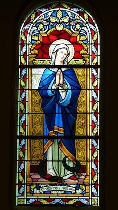 Catholic Art, Catholic Saints, Religious Art, Stained Glass Church, Stained Glass Art, Jesus Christ Statue, L'art Du Vitrail, Home Altar, Religion Catolica