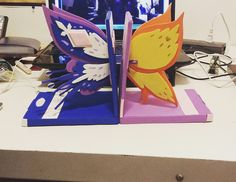 "mellybyrnn: ""My new Star vs Bookends i made for my shelves!! I live for Battle for Mewni!! """