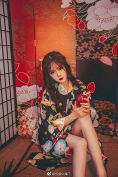 Coplay Japanese Outfits, Japanese Fashion, Asian Fashion, The Most Beautiful Girl, Beautiful Asian Girls, Chinese Kimono, Traditional Gowns, Japan Outfit, Poker Online