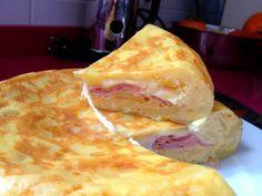 Cómo hacer una rica Tortilla de papas rellena con jamón y queso? la receta en nuestro blog