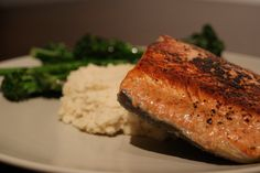 Salmon & White Bean Puree - A Nutritionist Eats (Dinner Seafood Vegetables Meat Animal products Salt White beans Salmon fillets Garlic Black pepper Olive oil) Baby Puree Recipes, Pureed Food Recipes, Baby Food Recipes, Free Recipes, Salmon Recipes, Lunch Recipes, White Bean Puree, Oven Baked Salmon, Seafood Dinner