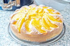 Ein fruchtiges Dessert gelingt Ihnen mit diesem einfachen Rezept. Der saftige Pfirsichkuchen ist ein Hit auf Geburtstagsfeiern.