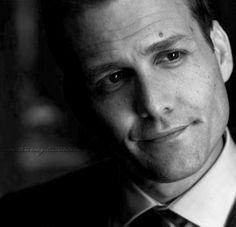 Gabriel Macht as Harvey Specter . that look! Suits Serie, Suits Tv Series, Suits Tv Shows, Harvey Specter Suits, Suits Harvey, Gabriel Macht, Swag Pics, Sarah Rafferty, Suits Usa