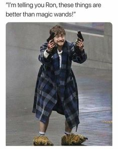 Photo Of Daniel Radcliffe Holding Guns In Crazy Slippers Becomes A Magical Meme Harry Potter Pictures, Harry Potter Facts, Harry Potter Quotes, Harry Potter Fandom, Hp Fanfiction, Fanfiction Ideas, Harry Potter Wallpaper, Voldemort, Funny Pictures