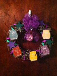 I want to make one of these Scentsy wreaths too!