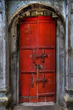 Red door...