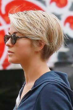 Julianne Hough - The former Dancing with the Stars favorite is not a stranger to short hair, she has gone from long waves to an asymmetrical bob and back again. But she just got a little more drastic and joined the pixie club. We like!