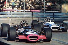 #8 Jean-Pierre Beltoise (F) - Matra MS80 (Ford Cosworth V8) 3 (12) Matra International #9 Pedro Rodriguez (Mex) - BRM P126 (BRM V12) piston (14) Reg Parnell Racing Ltd
