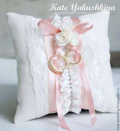 cushion rings ! 7642 #cushionrings Wedding Ring Cushion, Wedding Pillows, Ring Bearer Pillows, Ring Pillows, Irish Wedding, Wedding Day, Wedding Crafts, Wedding Decorations, Wedding Dress Quilt