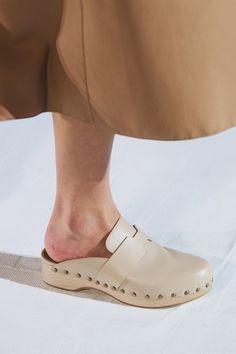 Ballerinas, Vogue Paris, Hermes, Fashion News, Fashion Show, Heeled Flip Flops, Gladiator Shoes, Bootie Sandals, Matches Fashion