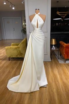 Can't decide which dress to wear for your formal? Check out this ivory halter ruffles prom dress at ballbella.com, extra coupons to save you a lot. Boho Chic Wedding Dress, Dresses To Wear To A Wedding, Evening Dresses Online, Evening Party Gowns, Split Prom Dresses, Formal Dresses, Dress Prom, The Dress, Occasion Dresses