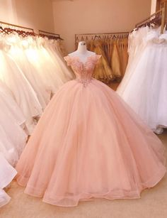 Pretty Quinceanera Dresses, Pretty Prom Dresses, Tulle Prom Dress, Ball Gown Dresses, Cute Dresses, Beautiful Dresses, Dress Lace, Pink Ball Gowns, Xv Dresses