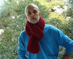 Hand-knitted red bulk long scarf for men and women. by tatocka Long Scarf, Hand Knitting, Trending Outfits, Reading, My Style, Crochet, Unique Jewelry, Handmade Gifts, Books