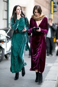 these velvet dresses in purple and blue are so fabulous. Milan Fashion Week.