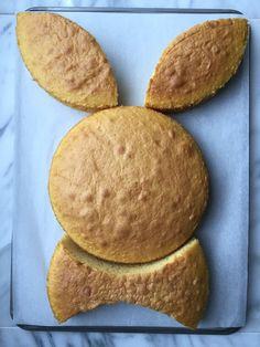 There's more than one way to make a bunny cake. Here, our step-by-step guide to making the fluffiest, most adorable bunny-shaped cake for Easter. desserts cake How to Make the Cutest Easter Bunny Cake Ever Mini Desserts, Holiday Desserts, Holiday Baking, Holiday Recipes, Holiday Meals, Cherry Desserts, Easter Bunny Cake, Easter Cookies, Easter Treats