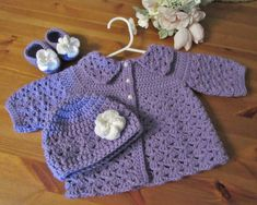 Baby Sweater Hat and Booties Newborn Outfit by TheComfyBaby