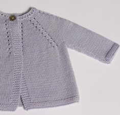 Knitting Pattern Baby Cardigan Instructions in English Instant Digital Download PDFSizes Newborn and 3-6 monthsMaterials :100% Wool Plassard Boud'chouParme 01 : 2 / 2 ballsNeedles size 2,5 mm / 3 mm1 buttonGauge :With needles size 3 mm / 38 rows x 28 stitches. = 10 cm.Finished measurements :Length from top of shoulder :24 / 26,5 centimetersChest :45,5 / 51 centimetersSleeve seam :12,5 / 15 centimetersThe sample is shown inPlassard Boud'Chou. A sugge...
