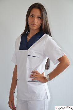 Bluza Unisex alba cu contrast: rosu, bleumarin, mov inchis la gat si buzunare CM09 - aspect elegant, confort maxim, rezistenta sporita. Destinate industriei alimentare, farmaceutice sau spitalelor, ideal pentru utilizarea de catre medici, asistente medicale in cabinete medicale, spitale, policlinici, etc. Compozitie: 65% poliester, 35% bumbac.  http://incaltamintemedicala.ro/uniforme-medicale/cm09-bluza-unisex-alba-leuname