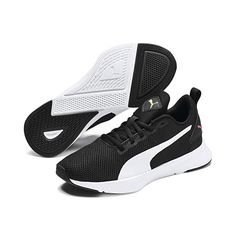PUMA Flyer Running Shoes in Black/Metallic Silver size 3 Zapatillas Casual, Narrow Shoes, Lightweight Running Shoes, Black Puma, Mens Trainers, Black White Pink, Flyer, Mid Calf Boots, Courses