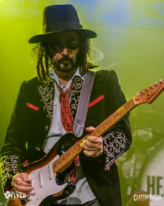 The legendary band was in Arkansas last week for a performance at Verizon Arena in Little Rock, and photographer Clayton Taylor was there with his camera. Mike Campbell, King Bee, Rockn Roll, Tom Petty, Music Therapy, Cool Guitar, Guitars, Musicians, Random Stuff