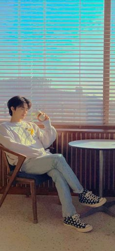 Nct Taeil, Lines Wallpaper, Korean Boys Ulzzang, Nct Dream Jaemin, Na Jaemin, Fandom, Cute Cartoon Wallpapers, Blue Aesthetic, Asian Boys