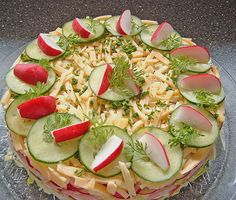 Salattorte, ein schmackhaftes Rezept aus der Kategorie Party. Bewertungen: 193. Durchschnitt: Ø 4,4.
