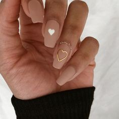 Gold Nails, Nude Nails, Pink Nails, Heart Nail Designs, Valentine's Day Nail Designs, Cute Acrylic Nail Designs, Pretty Nail Designs, Valentine Nail Art, Valentines Day
