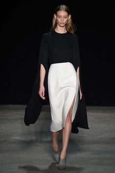 Narciso Rodriguez Fall 2017 Ready-to-Wear Fashion Show - Ondria Hardin