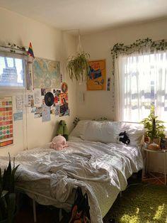 @ lovesicksami on twitter Room Design Bedroom, Room Ideas Bedroom, Bedroom Decor, Bedroom Inspo, Decor Room, Indie Room Decor, Indie Living Room, Aesthetic Room Decor, Aesthetic Indie
