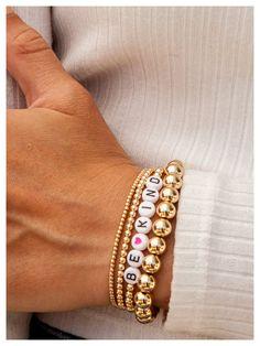 Preppy Bracelets, Diy Beaded Bracelets, Making Bracelets With Beads, Summer Bracelets, Dainty Bracelets, Bracelet Crafts, Summer Jewelry, Handmade Bracelets, Letter Bead Bracelets