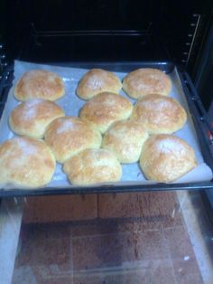 hochios de Jaen Bread, Food, Products, Finger Foods, Sweet Recipes, Cookies, Desserts, Truffles, Souvenirs