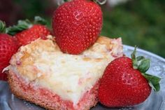 Strawberry Ooey Gooey Butter Cake