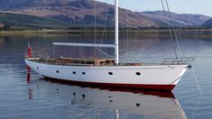 Britannia Yachts Boat Brands, Classic Yachts, New Deck, Yacht Design, Super Yachts, Modern Classic, Sailing Ships, Discovery, Holland