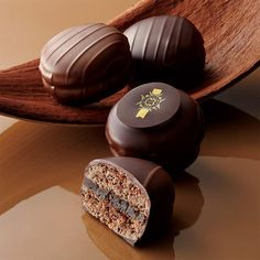 Chocolate Pack, Chocolate Candy Recipes, Chocolate World, I Love Chocolate, Chocolate Heaven, Chocolate Ice Cream, Chocolate Coffee, Chocolate Lovers, Biscuits Russes