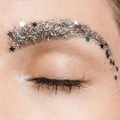 glitter makeup new years eve makeup look New Year's Makeup, Free Makeup, Makeup Art, Beauty Makeup, Makeup Trends, Makeup Inspo, Makeup Inspiration, Makeup Tips, Makeup Ideas
