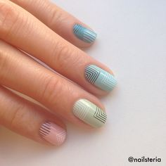 Minimal geometry nails. Stamping MoYou London Holy Shapes 02 and Minimal 02