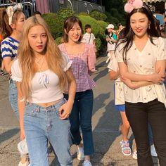 South Korean Girls, Korean Girl Groups, Red Velvet Seulgi, Blackpink Photos, Girl Inspiration, I Love Girls, Kim Yerim, Kpop Girls, My Girl